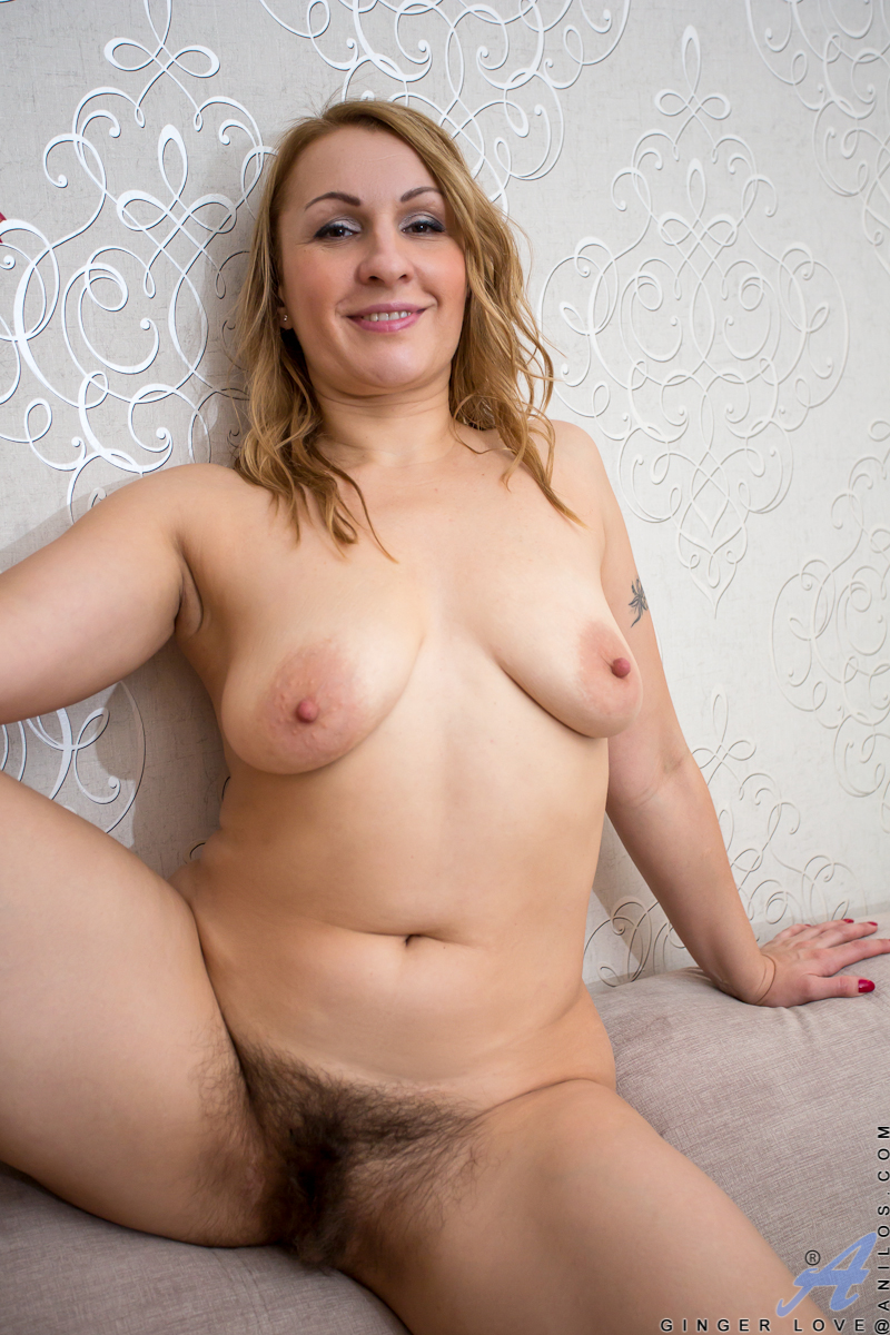 x omas in pantyhose